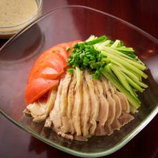 冷し中華 (醤油たれ、胡麻たれ)